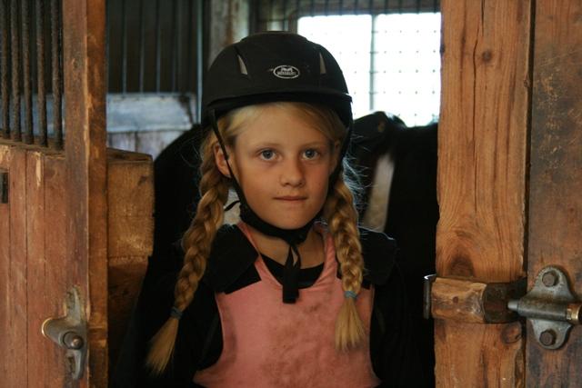 Erika inför tävlingen på ryttarfesten